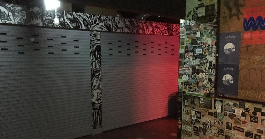 台北人気ライブハウス The wall 内にある The bar へ遊びに行く